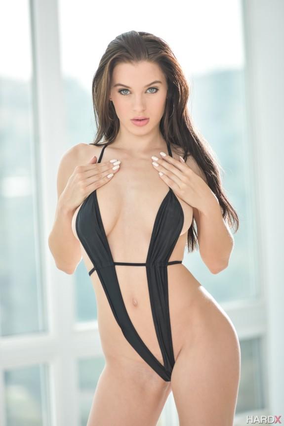 Colección imperdible de la hermosa pornstar Lana Rhoades
