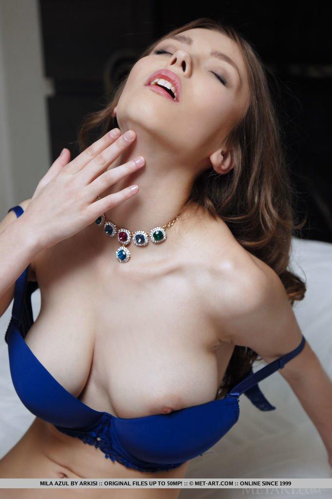 Mila Azul el mejor compilado con sus mejores fotos XXX