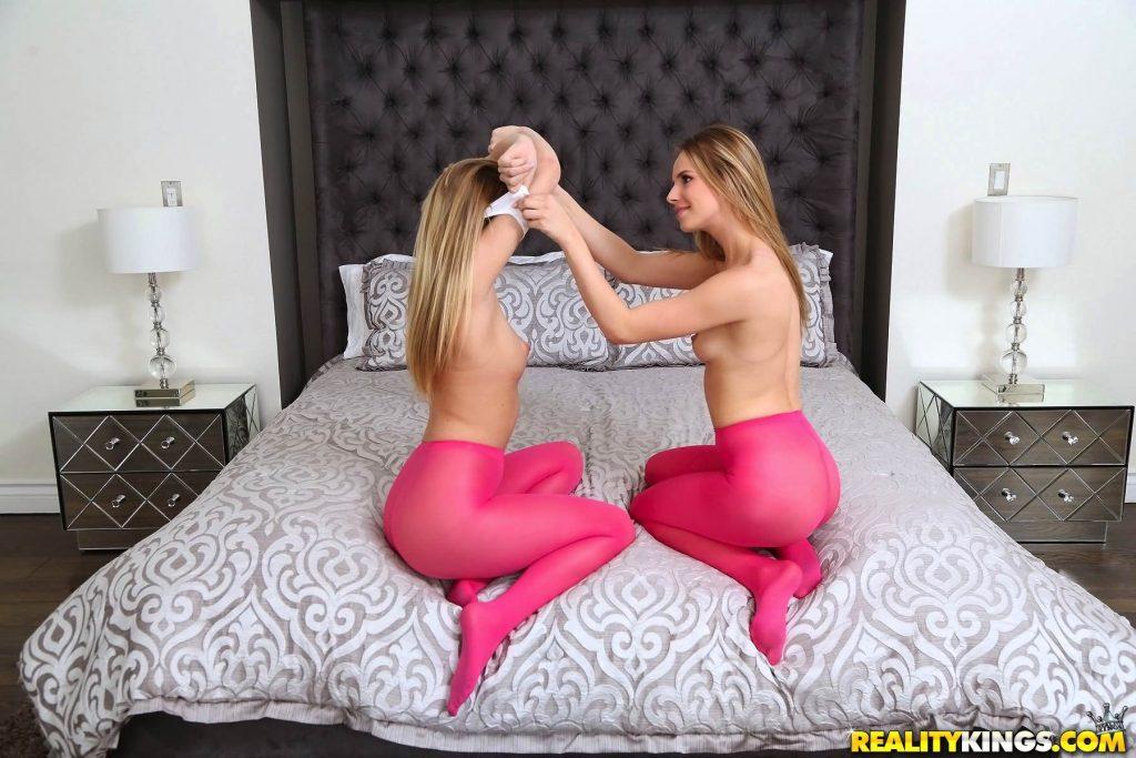 Jillian Janson y Kenna James - atracción al culo!