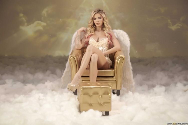 Jessa Rhodes follar a una rubia angelical