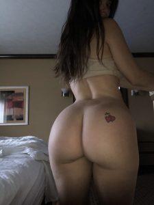 Lana Rhoades desnuda