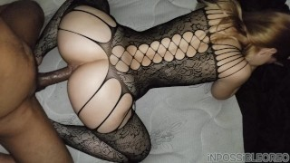 Imperdible vídeo casero de una rubia culona en lencería