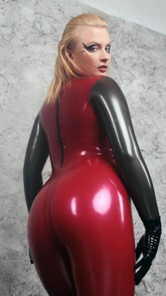 Chicas sexys usan prendas eróticas muy sensuales