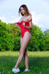 Dakota Pink imágenes XXX de una teen caliente