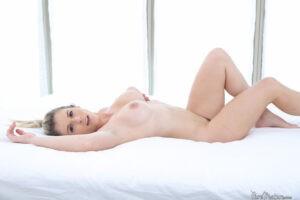 Cory Chase milf de tetas impresionantes y coño caliente