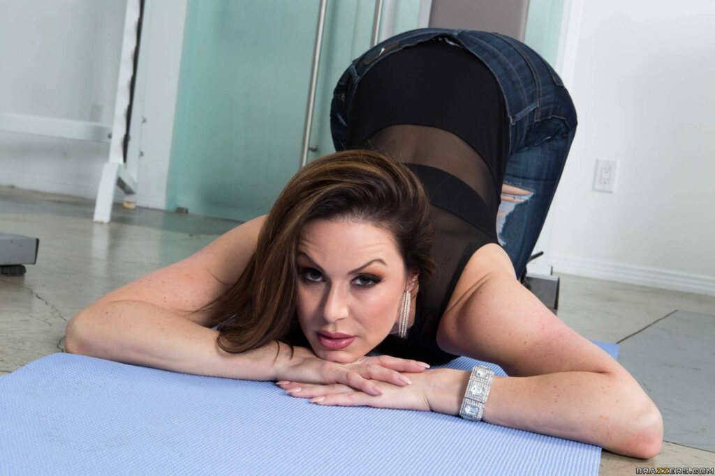 Kendra Lust y un polvo anal en el gym