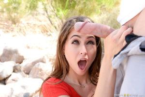 Riley Reid blowjobs and amazing facials