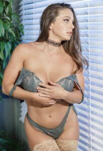 La mejor galería de fotos XXX de Abigail Mac